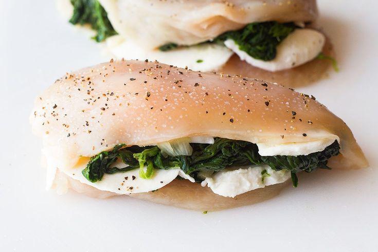 Gefüllte Hähnchenbrust mit Mozzarella & Spinat – Ernsthaft käsig und …   – Dinner