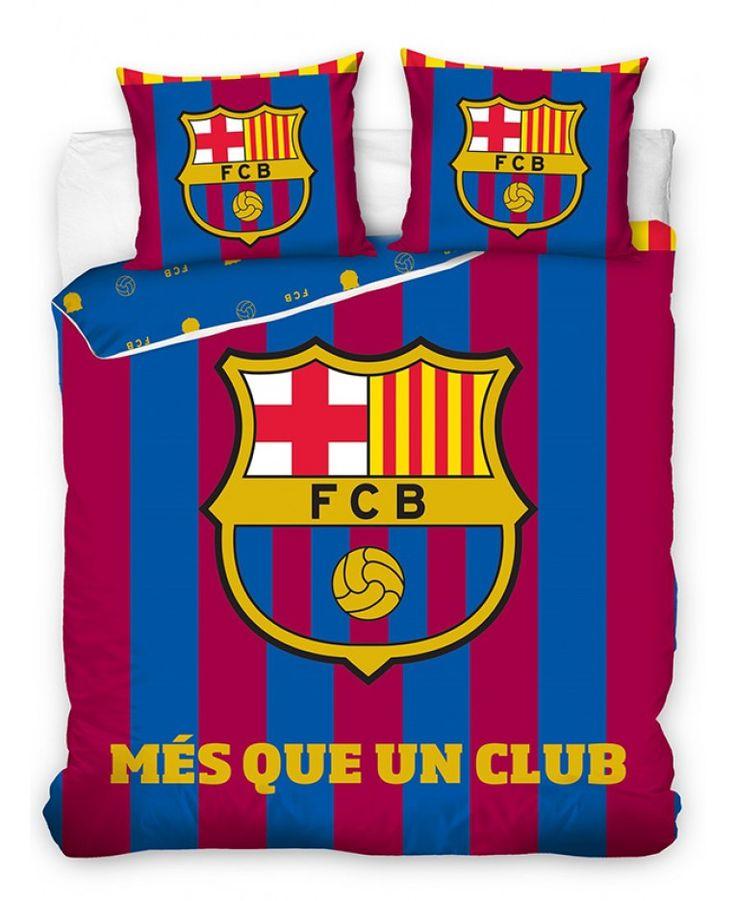This FC Barcelona Més Que Un Club Double Duvet Cover Set features the club crest and colours.