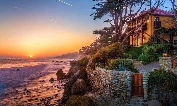 Вечер на побережье, Малибу, Штат Калифорния  #JoyTravelGroup #travel #путешествия