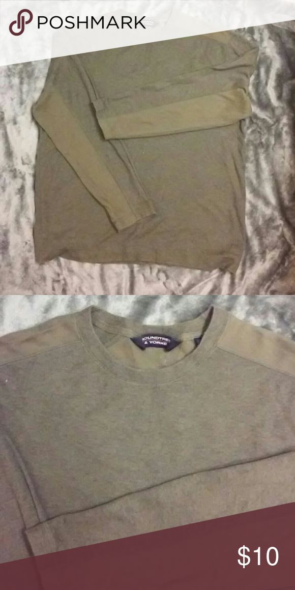 Roundtree and York Men's olive green shirt Men's shirt, tried on but never worn by teen wanting something edgier. Two toned for extra style. Roundtree & Yorke Sweaters Crewneck
