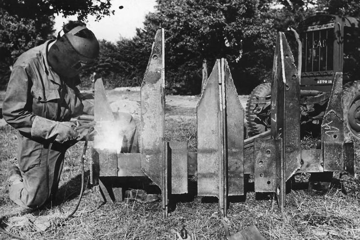 cullins hedgerow cutter for allied tank normandy 1944