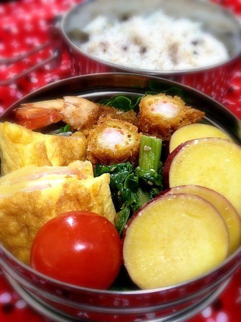 海老フライ、ハムチーズオムレツ、セロリの葉炒め、さつまいものレモン煮 - 12件のもぐもぐ - 海老フライ弁当 by mcc