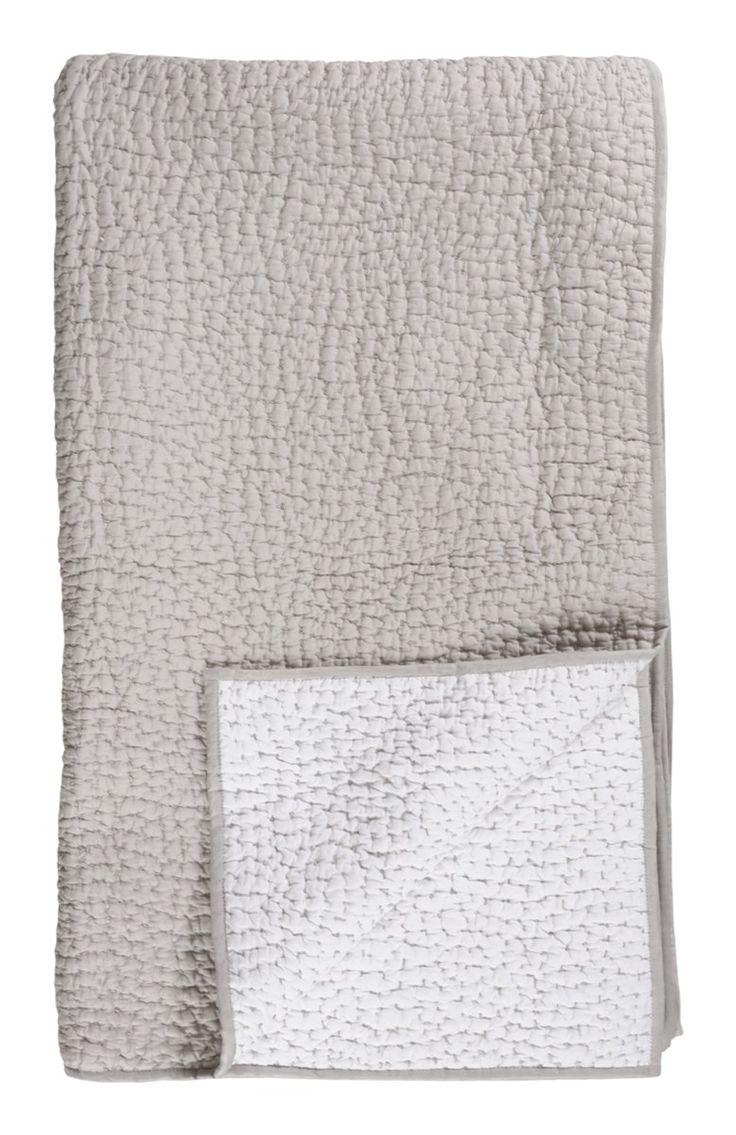 Quilt Bedspread 270x260 - Light Grey   Linum   Vålamagasinet