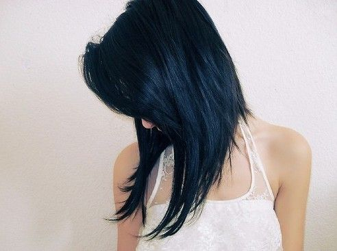 Cute Angled Hairstyle for Medium Length Hair. I love this!!! Got to have it!!!
