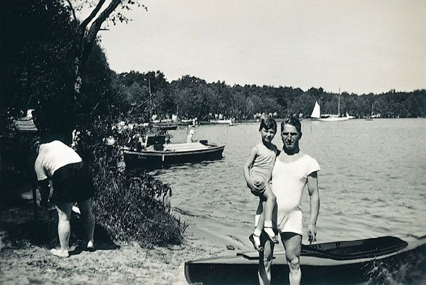 Fritz Pfeffer with his son Werner in Berlin, May 1932.