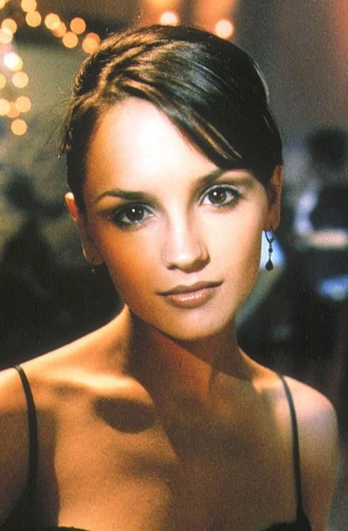 Rachel Leigh Cook from 'She's All That' & 'Josie & The Pussycats'
