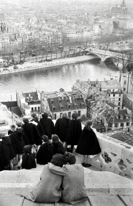 Henri Cartier-Bresson, 1953, Paris #bw @blackwhitepins