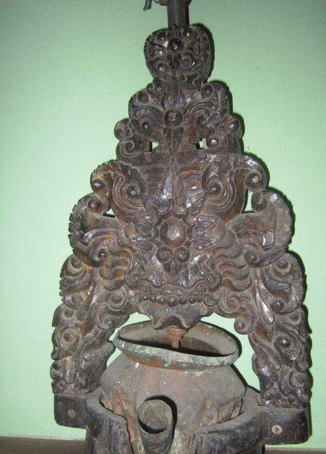 old wood blencong, the oil lamp for Javanese shadow puppet performances, #wayangkulit.  Cirebon.   www.kulukgallery.com