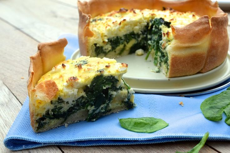 Spinazie feta quiche Vandaag gemaakt met champignions en 4 kleine aardappels erdoor. Heerlijk!