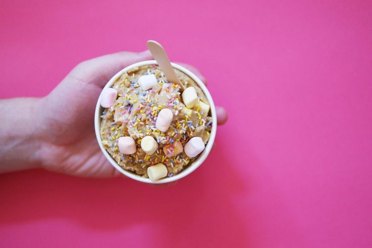 Licking the bowl ishands downthe best part about baking. Well now you can relive that glorious moment without the washing up at this new London pop-up! Naked Dough is the genius brainchild of two…