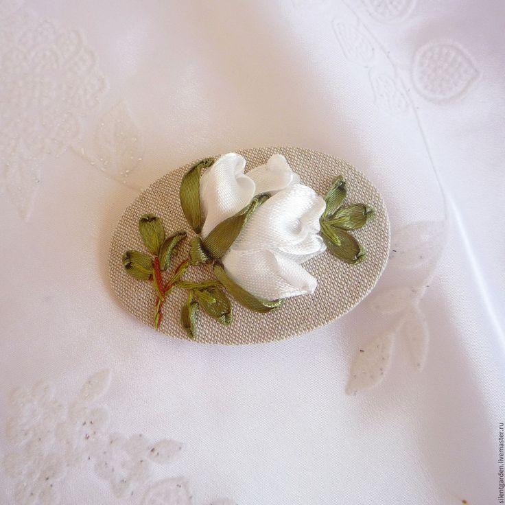 """Купить Брошь """"Белая роза"""" - белый, белая роза, брошь с вышивкой лентами"""