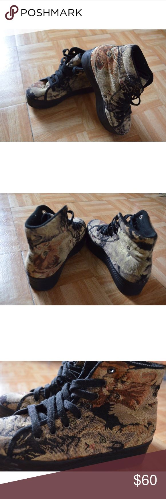 Jeffrey Campbell cat tapestry platform sneakers! **VERY RARE ** Jeffrey Campbell cat tapestry platform sneakers! Worn only about 3-4 times! Perfect condition ✨ #shoes #jeffreycampbell #platformsneakers #cats Jeffrey Campbell Shoes Sneakers