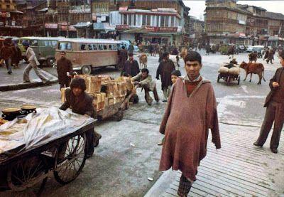 Srinagar lal chowk1980..