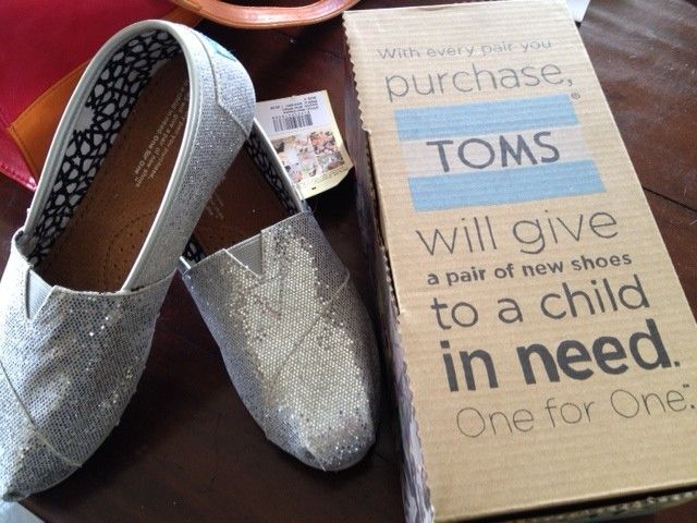 We love #Toms shoes!!