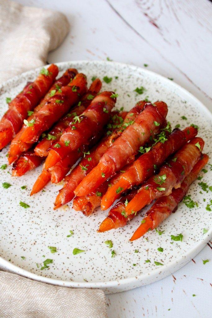 Jeg serverede i går nogle lækre gulerødder, som snacks. Sunde? Nej. Men meget lækre! De er viklet ind i bacon og penslet med honning nogle gange, så de får den helt rigtige glasering. De blev serve…