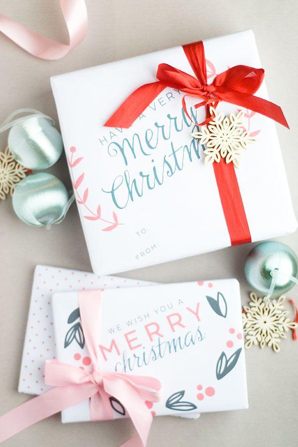 あなたはまだプレゼントを包む始めたことがありますか? この無料印刷可能な11×17のクリスマスギフトラップはとてもかわいいとモダンです!