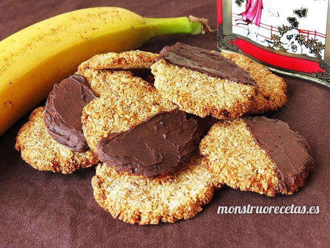 Receta de galletas ultra sanas sin huevo y sin harina, elaboradas con avena, plátano y coco como únicos ingredientes. Más