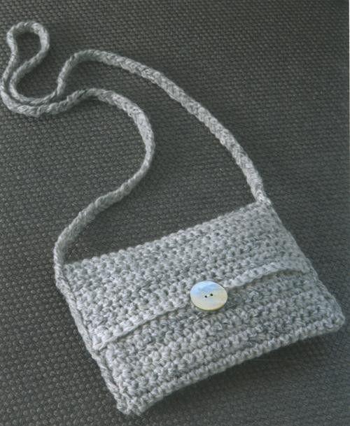 over the shoulder crochet purse   Patons Wool Blend Aran Learn to Crochet Book