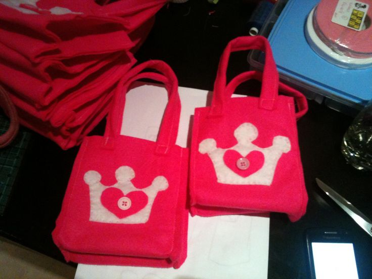 Felt Princess Loot bag for Princess & Pirate Party