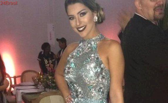 Ex-BBBs: Vivian usa vestido de R$ 10 mil no casamento de Elis