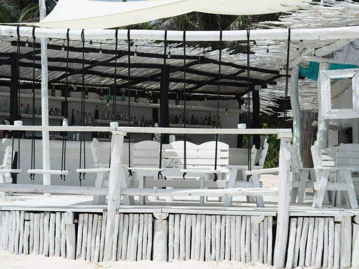 Coco Tulum white bar