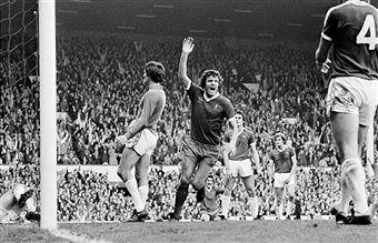 Liverpool 3 Everton 1 in Oct 1976 at Anfield. A goal from John Toshack makes it 3-1 in the Merseyside Derby #Div1