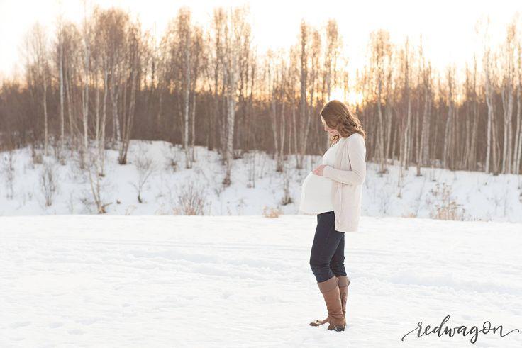 edmonton maternity photographer   redwagon photography