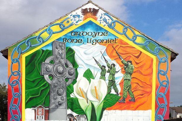 Irish republican army wall belfast northern ireland for Mural ireland