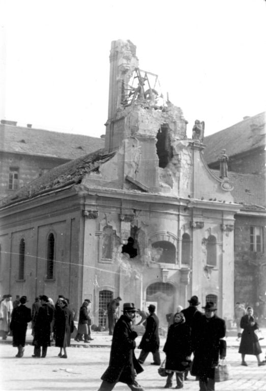A Rókus-kápolna a Rákóczi úton | The damaged chapel of Saint Roch #revolution #1956 #hungary #houseofterror #communism #chapel