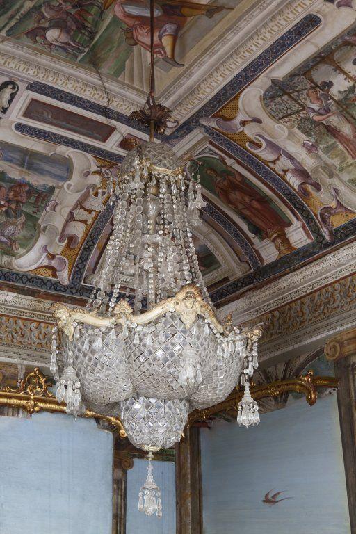 Grande lampadario in bronzo dorato a 8 luci più : Lot 11