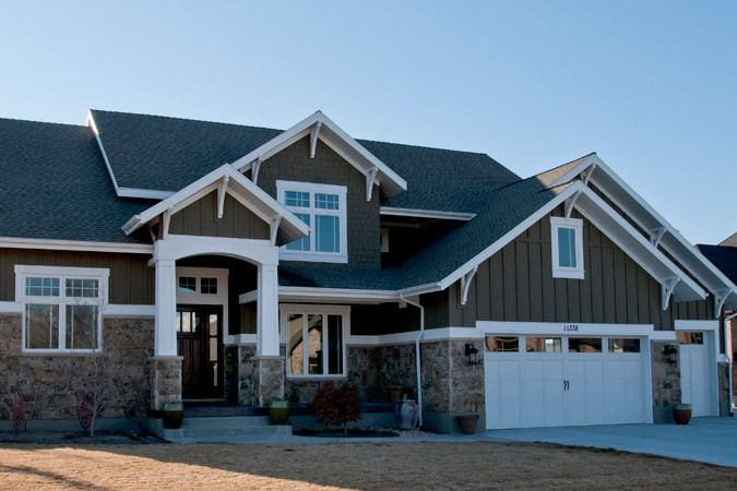 Lane Myers Construction - Like the look of the front of this house!