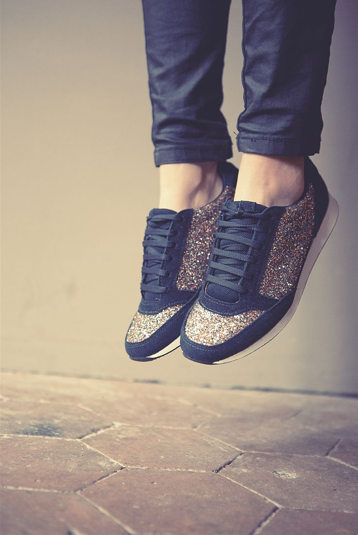 Baskets Marathon 2 - André. Black trainers with gold glitter. Oh yes!