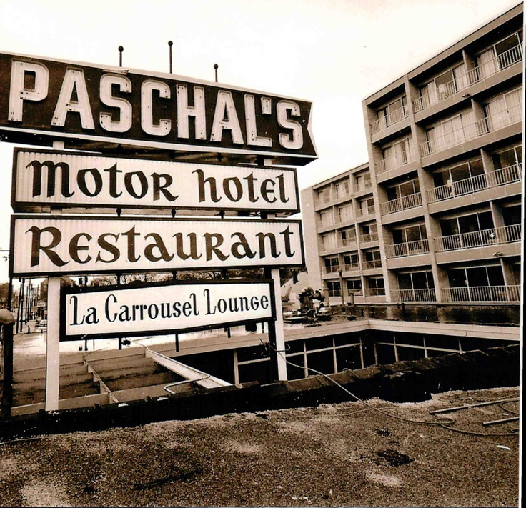 The Original Paschal's Motor Hotel, Restaurant & Lounge