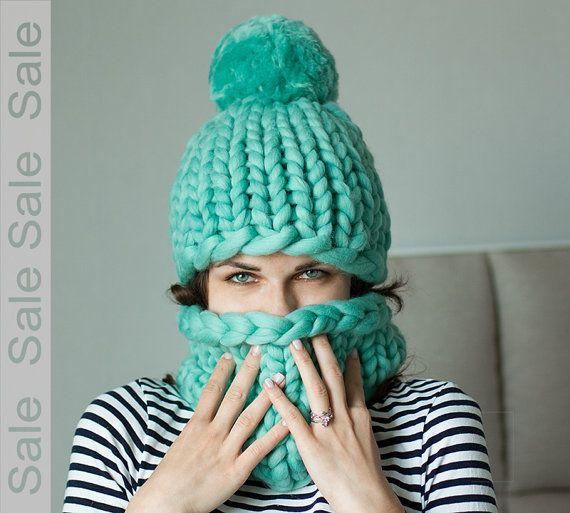 Ehi, ho trovato questa fantastica inserzione di Etsy su https://www.etsy.com/it/listing/270873212/vendita-set-cappello-e-snood-sciarpa