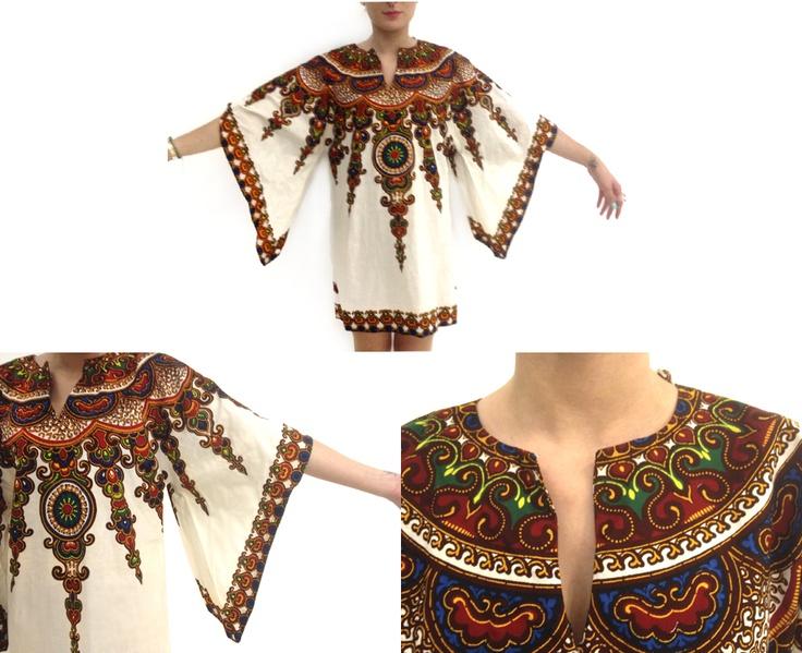 Il kaftan (dal persiano khaftãn: veste da portarsi sotto l'armatura), in principio era un mantello indossato da persiani e turchi, poi soprattutto in Russia, sotto Pietro il Grande (1689-1725), fu in voga come sopravveste. Confezionato in stoffa dai colori vivaci, con maniche ampie, questo capo fa parte anche degli abiti tradizionali del Medio Oriente musulmano TG 34