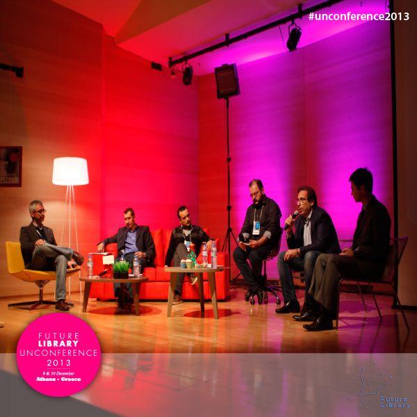 Σε roundtable με συντονιστή τον Μιχάλη Καλαμαρά συζήτησαν για τα ebooks στην Ελλάδα και το μέλλον τους στις βιβλιοθήκες οι Νίκος Πασχαλάκης, Νίκος Ψυχογιός, Γιάννης Φαρσάρης, Διονύσης Κολοκοτσάς και Θοδωρής Γεωργακόπουλος.