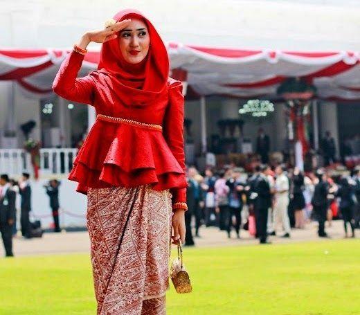 7 Model Kebaya Modern Simple dan Elegan | Qbaya.com - Inspirasi Wanita Indonesia