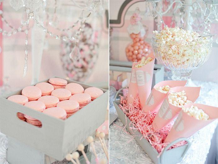 baby shower de menina creative pink cookies and shower centerpieces
