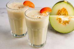 Recept voor romige smoothie voor 4 personen. Met suikermeloen, perzik, yoghurt en banaan