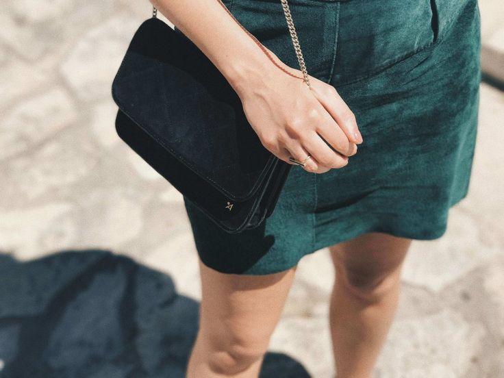 Slow Fashion Look mit Armedangels Shirt, Vintage Rock, Vintage Tasche, Birkenstock und Dickmoby Sonnenbrille.  Mehr Fair Fashion gibt's auf dem Modeblog sloris.de <3
