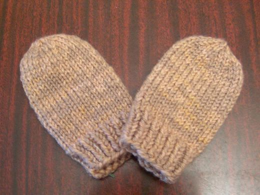 Baby mittens - knit these for Levi w/ left over sock yarn.