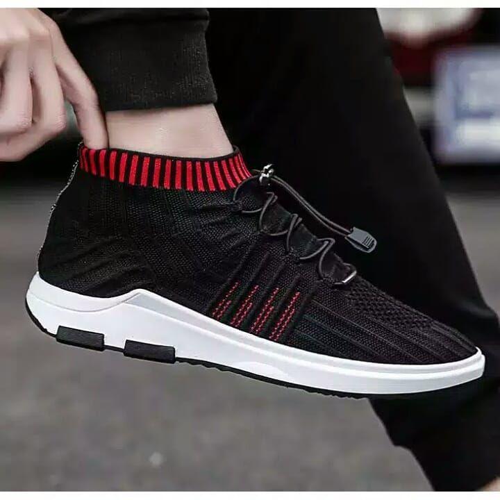 Sepatu Fhasion Olahraga Bahan Sintesis Warna Hitam Hitam Putih