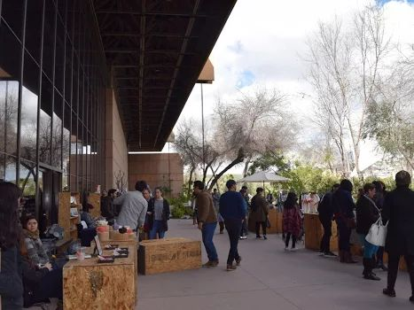 Domingos de Diseño tuvo una nutrida asistencia en el arranque de su novena temporada, en la que además estrena como sede el Jardín Botánico del Centro Cultural Tijuana, donde se desarrollará semanalmente este mes de marzo con horario de 14:00 a 19:00 horas.