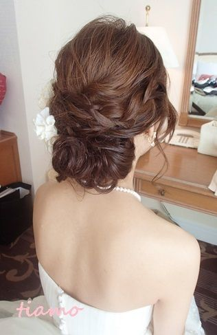 Loose hair updo for wedding