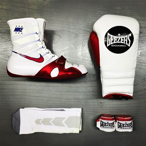 Geezers & Nike Combo!! Check out this white and red combination by following the link below: http://www.geezersboxing.co.uk/ #nike #nikeboots #nikeboxing #nikeshoes #geezers #geezersboxing #boxing #sparring #gloves #mma #muaythai #fitness
