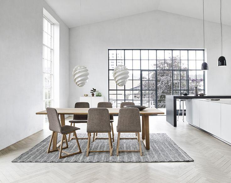 Tanskalaista Designia by Skovby Material trendy oak #kruunukaluste #ainain #homedeco #scandinavianhomes #interior #inspiration #interiordesign #homeinspiration #sisustus #sisustusinspiraatio #sisustusidea #modern  #diningroom #diningtable