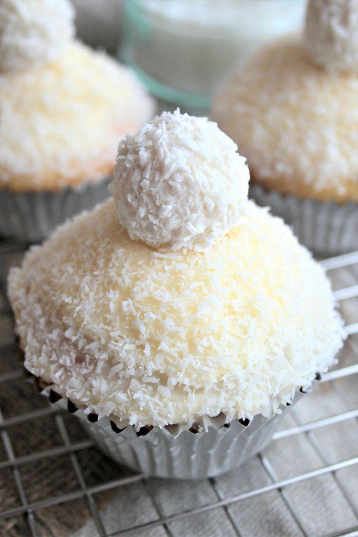 Coconut Raffaello Cupcakes