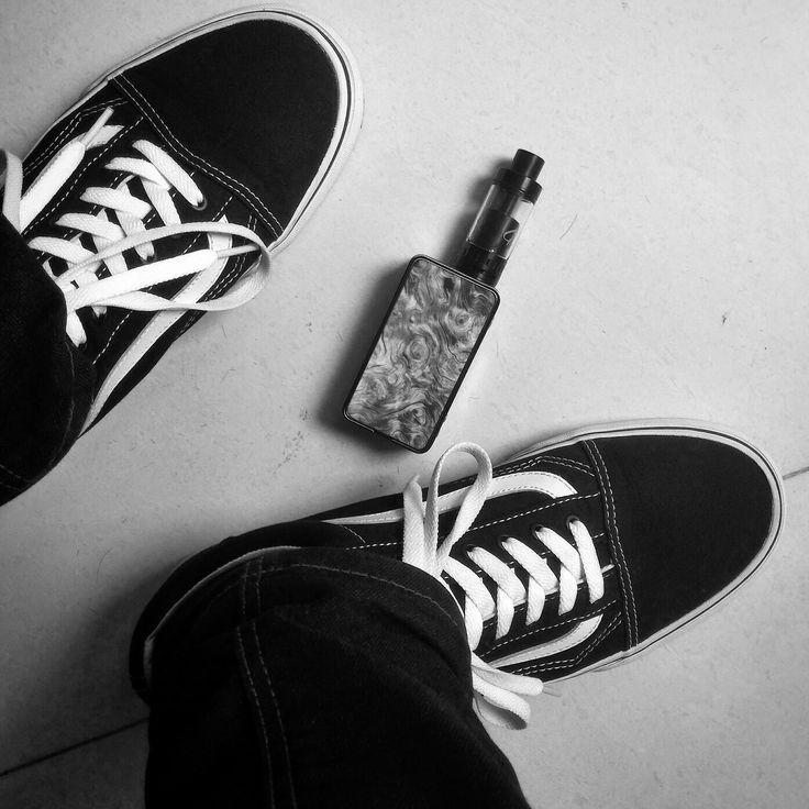 #vape #vans #oldskool  #griffin #geekvape #jeans #workhour