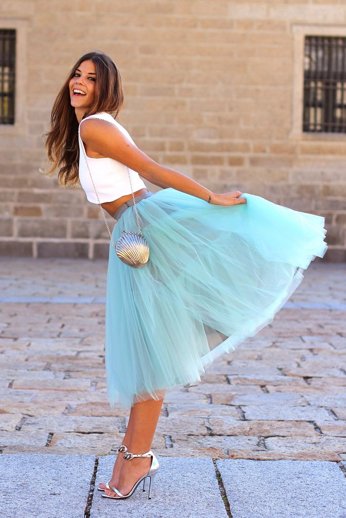 trendy_taste-look-outfit-street_style-AW13-white_top-top_blanco-tutu-verde_agua-aquamarine-silver_sandals-sandalias_plata-mas34-silver_handbag-bolso_plata-smart-wedding-dress-boda-vestido-polaroid-8