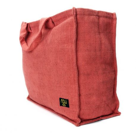 Due to its sturdy shape and padded handles, the Dilip is perfect as a large shopping bag, beach bag or storage bag.